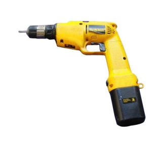DeWalt DW945 12V 3 8 Cordless Drill Driver