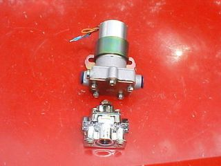 electric fuel pump,140 gph & regulator,holley style NEW