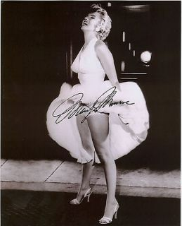 marilyn monroe autograph in Entertainment Memorabilia