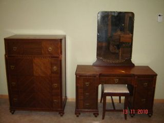 Antique Dresser, Vanity w/Mirror and Bench 1936 Colonial Furniture
