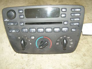 RADIO AM FM CD PLAYER 01 02 03 FORD TAURUS SABLE (MANL TEMP CONTROL