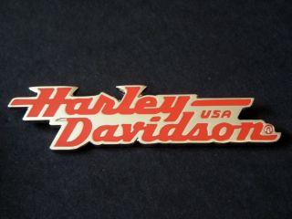 HARLEY DAVIDSON MUSEUM TANK BADGE PIN   RED ON CHROME NICE