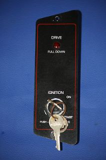 Switch with Key and Trim Indicator Light   from a 1989 Bayliner Capri
