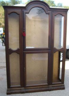 JASPER CABINET COMPANY Vintage/antique CURIO China cabinet Dorset Corp