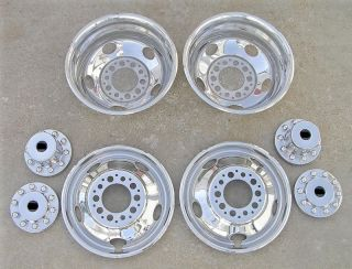 19.5 Chevy / GMC 3500HD Dually Wheel Covers