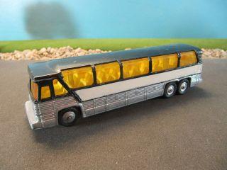 Corgi Junior Diecast MC 8 Americruiser Greyhound Bus (HAND PAINTED) 1