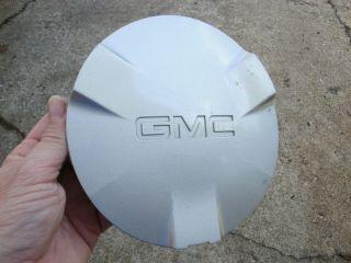 2003 gmc envoy center cap in Hub Caps