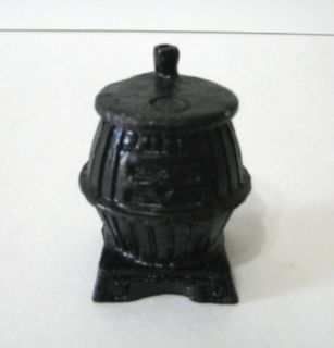 VINTAGE AWESOME BLACK POT BELLY STOVE MINIATURE DOLLHOUSE