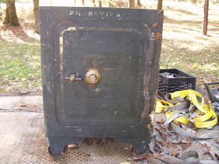FLOOR SAFE LARGE 37 1/2 TALL ANTIQUE SAFE WITH/COMBINATI​ON