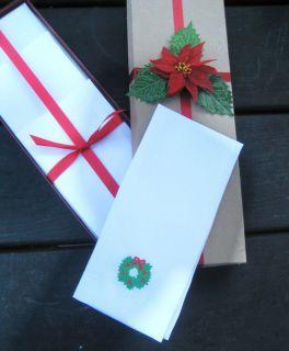 Vintage Set of Four White Linen Christmas Wreath Guest/Bath Towels