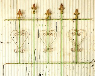 Wrought Iron Decorative Heart Interlocking Fence Garden Border Fencing