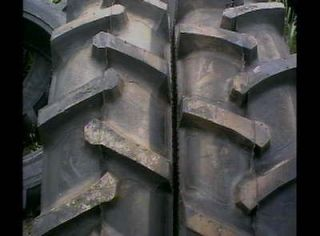 FORD JOHN DEERE R 1 Bar Lug 12 ply Tube Type Rear Farm Tractor Tires