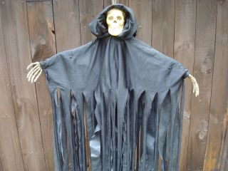 Monster Creature Scary Halloween Party Prop Haunted Decoration