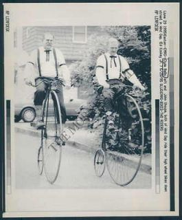 MC PHOTO agi 383 Clyde Bellis Antique High Wheel Bicycle Rider