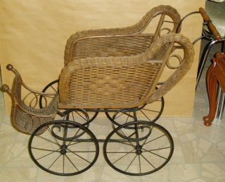 Antique 1920s or 1930s Wicker Baby Doll Carriage Buggy good condition