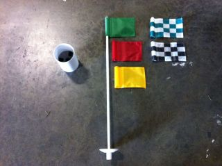 Four Putting Green Markers & Regulation Cups   New   Set of 4