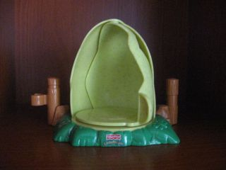 FISHER PRICE LITTLE PEOPLE GREEN DINOSAUR EGG HOUSE FENCE LOW SHIPPING