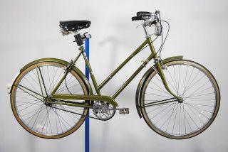 1972 Raleigh Sports Ladies tourist 3 speed bicycle bike 21 Green