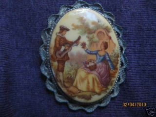 Vintage Fragonard brooch (romantic scene)