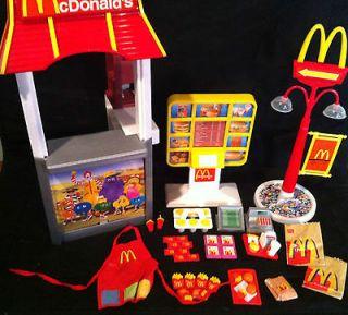 2001 Mattel Barbie Doll McDonalds Fun Time Restaurant Playset Toy