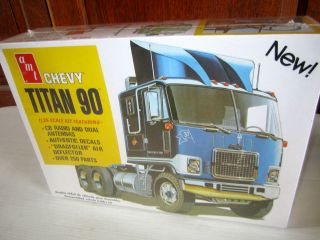 25th scale Model Chevy Titan 90 Cabover ( COE ) Truck/Tractor Kit