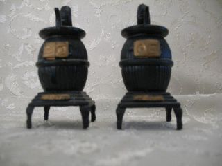 Plastic Black Pot Belly Stoves Salt and Pepper Shaker