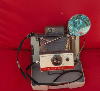 Vintage Polaroid 104 Instant Camera with flash, Great Condition