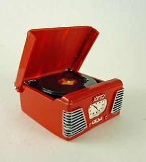 Dollhouse Miniature Retro Turntable Record Player, RED