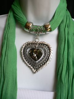 NEW WOMEN GREEN FABRIC SUMMER SCARF NECKLACE BIG SILVER CRYSTAL HEART