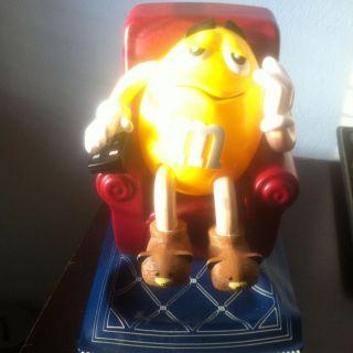 Candy Dispenser Yellow Lazyboy Recliner Chair GUC