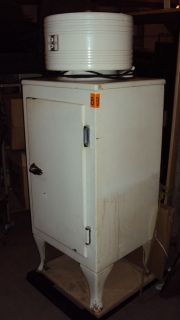 ANTIQUE MONITOR TOP REFRIGERATOR GE CK 1 C16