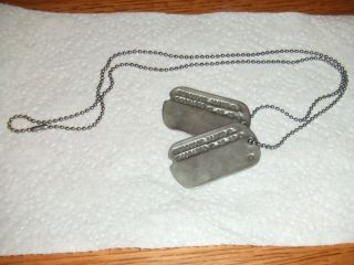 WW2 (2) US Army Matching Metal Dog Tags + Chain T 45 45 Sacramento