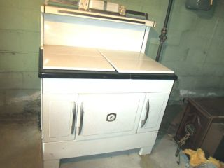 Dickson white antique large 8 burner gas/wood stove and oven EC RARE