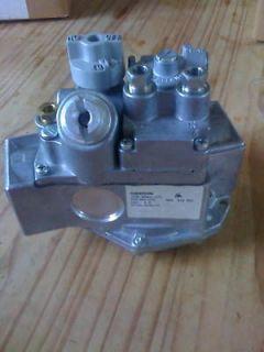 7000GORHC S7C 450 541 076 Unitrol 1/2 PSI Water Heater Gas Valve