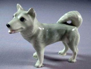 Hagen Renaker miniature Made in America Husky Dog retired
