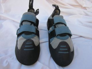 used mens size US 10.5 Womens 11.5 Evolv Evo rock climbing shoes