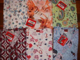 711A NWT Stylish Wrap Printed Scrub Top Medical Nursing Uniform S M L