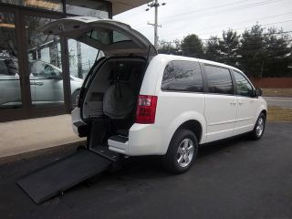 Dodge : Grand Caravan 4dr Wgn SE Viewpoint Rear Entry Wheelchair Van