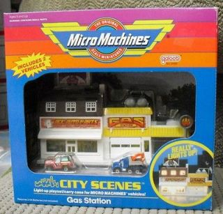 PLASTICVILLE CAR FOR MULTIBLE TIN TOY GAS SERVICE STATION PLAYSET
