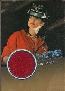 PAULEY PERRETTE ABBY SCUITO RED LAB COAT COSTUME CARD CC14 #059/500