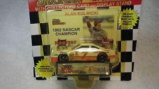 Champions Alan Kulwicki Hooters 7 Thunderbird 1992 NASCAR Champion