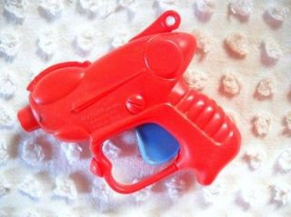 vtg 1950s arliss red plastic dart gun time left $
