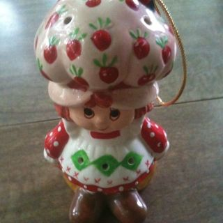 Vintage 1983 Strawberry Shortcake Ornament Scented Figurine Figure