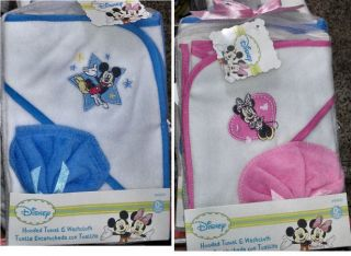 PErsonalized Baby Hooded Towel + washcloth Blue Star Mickey Pink