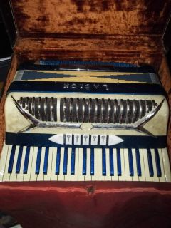 Italian accordion accordian case  Medal Flake Blue