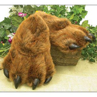 Grizzly Bear Paw Furry Slippers Medium   Kids 7 13 Women 5 9.5 Men 6 9