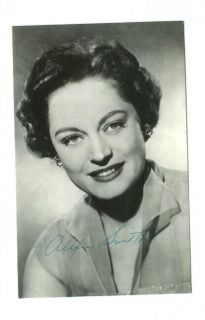 E8900 Film Actress Alexis Smith Autograph Series Postcard