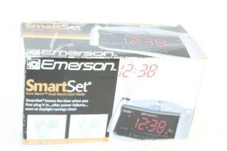 is 100 % functional emerson cks3528 smartset dual alarm clock