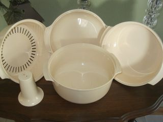 Large 3qt Microwave Steamer Bowl Stacker Cooker Almond Vintage