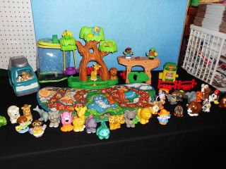 FISHER PRICE LITTLE PEOPLE ALPHABET ZOO PLAYMAT & A Z ANIMALS FIGURES
